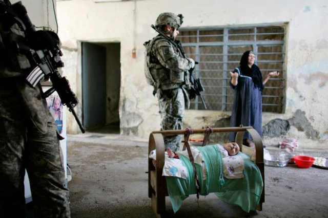 Fegyvereket keresnek az amerikaiak Mosulban 2008 jún 26 án Fotó Reuters  Eduardo Munoz