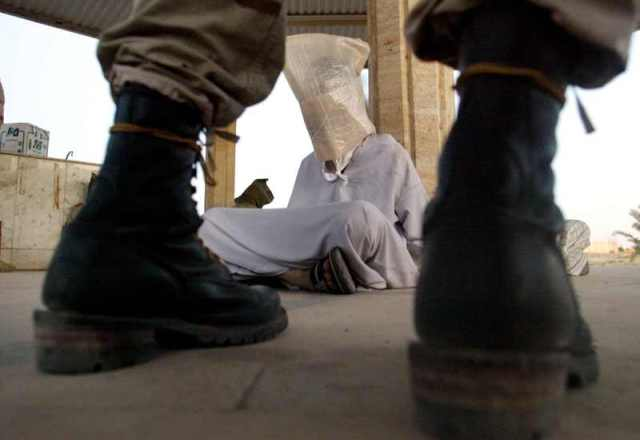Jellegzetes amerikai razzia Tikrit 2003 szept 10 Fotó Reuters  Arko Datta